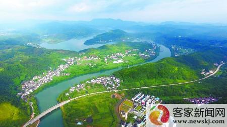 航拍赣州上犹村庄(图)